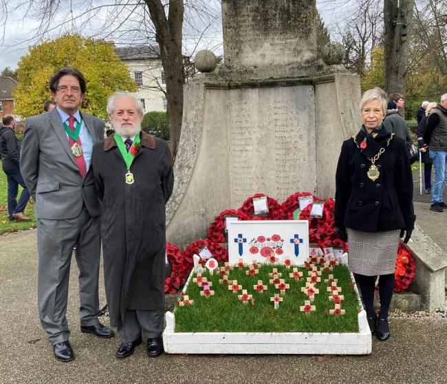 Romsey dignitaries mark Armistice Day, 2020