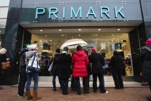Romsey Advertiser: GOOD NEWS IN STORE: Shoppers at the new Primark shop in Commercial Road, Bournemouth