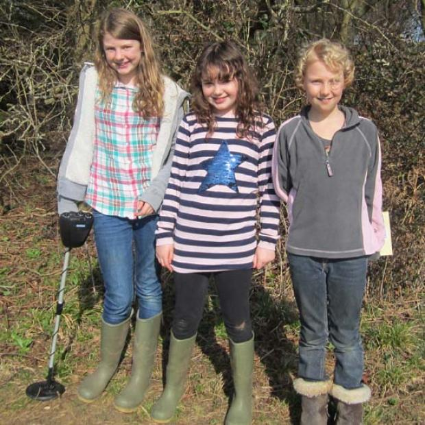Millie Downes, Ane Lewis and Rosie Downes, who found the firearm at Braishfield