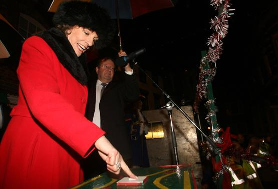 Esther defies the weather for Christmas lights switch-on