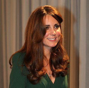 Kate returns at sport awards event