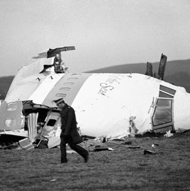 Officers investigating the Lockerbie bombing are to visit Libya