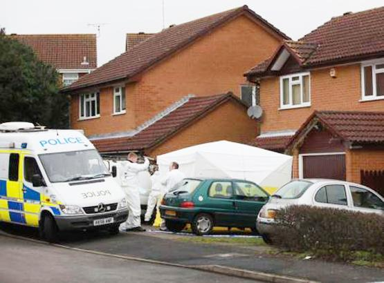 Romsey Advertiser: Body found in blazing van on driveway in Chandler's Ford