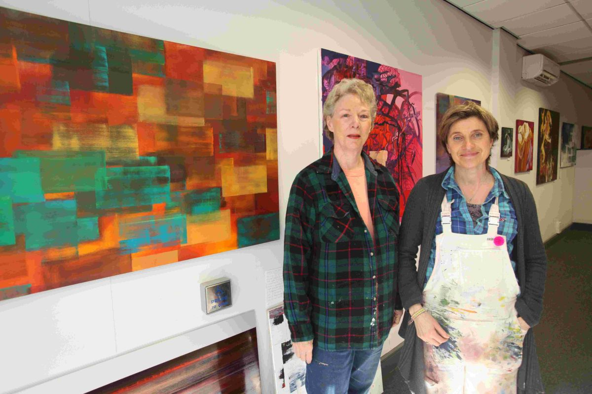 New pop-up art gallery brings new colour to Winchester High Street
