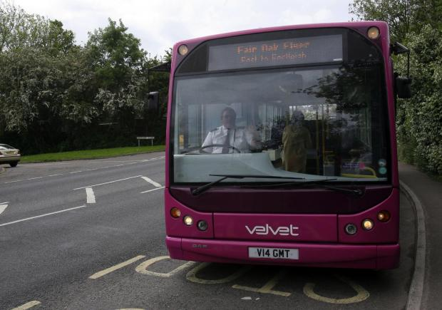 Romsey Advertiser: A Velvet bus