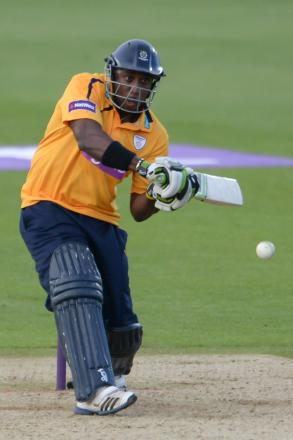 Carberry extends Hants contract