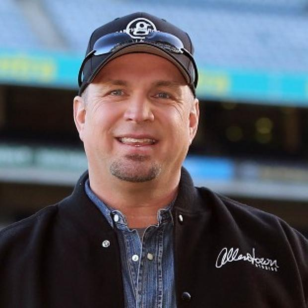 Romsey Advertiser: A comeback extravaganza by Garth Brooks has been called off