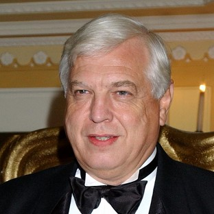 BBC journalist John Simpson has received a university honour