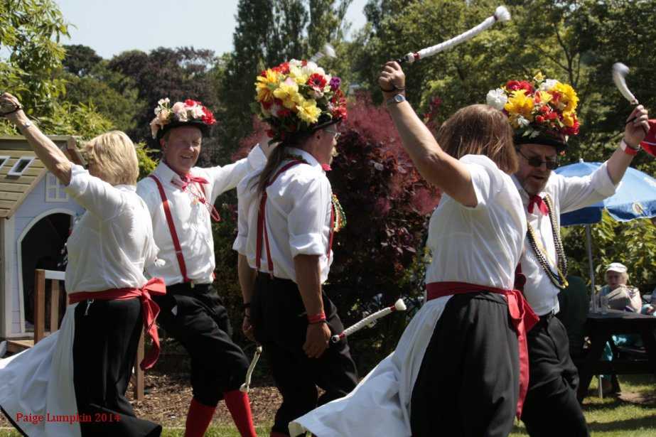 Basingclog Morris Dancers taster evening