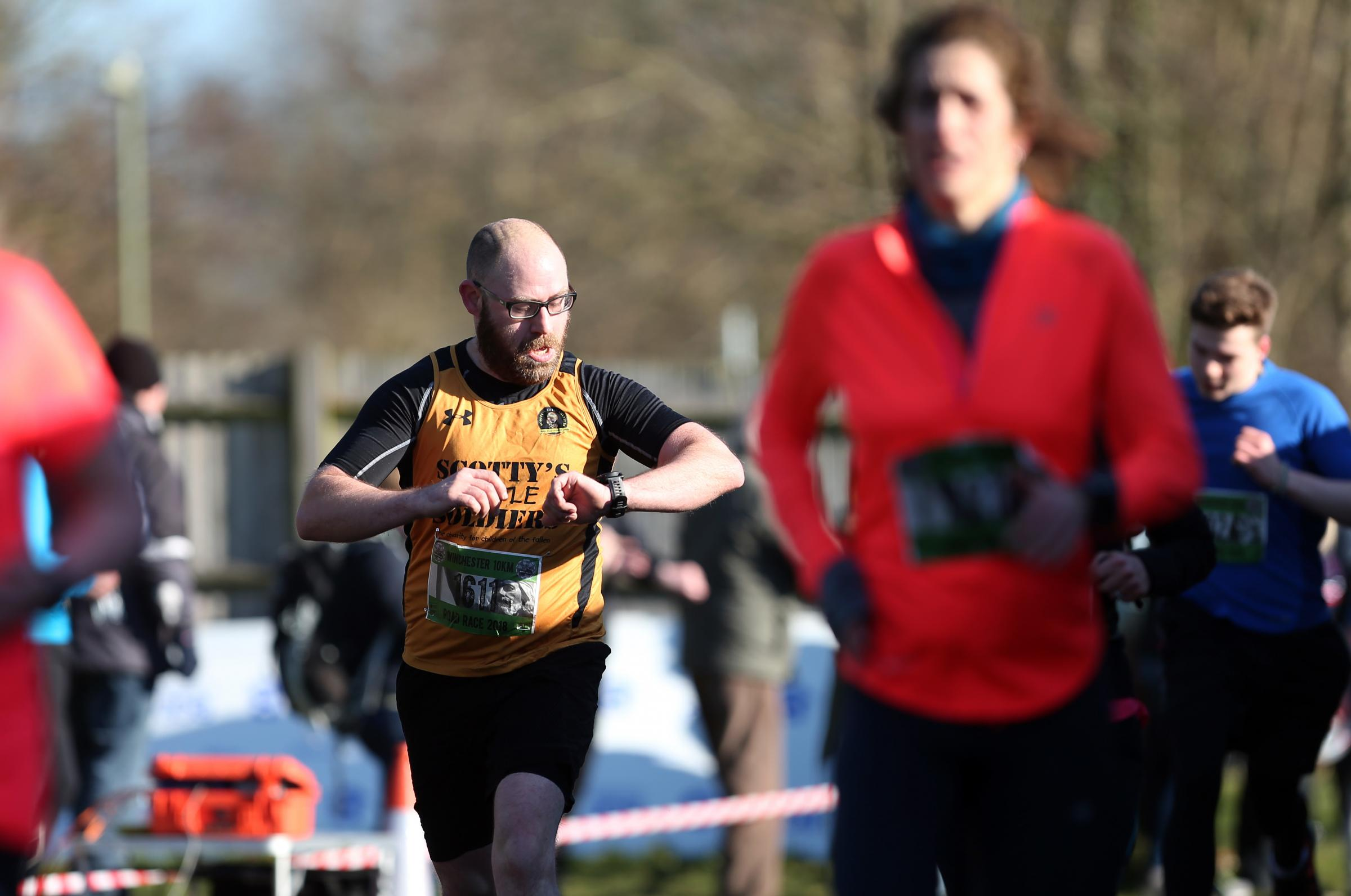 Winchester 10Km Road Race.                    Picture: Chris Moorhouse         Sunday 25th February 2018.