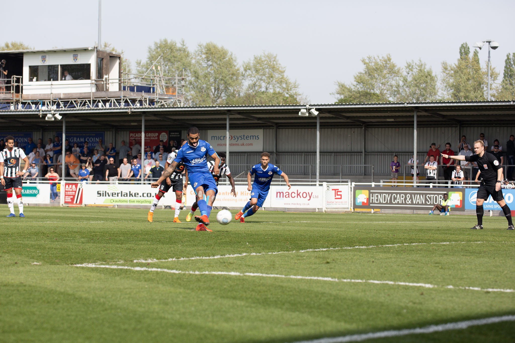 Paul McCallum fires Eastleigh ahead from the penalty spot (photo: Graham Scambler)